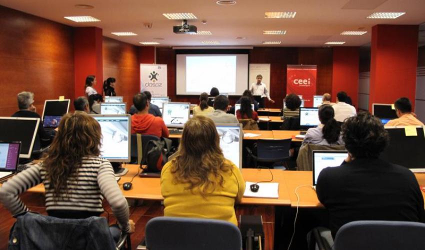 Comienza el taller de Google Adwords para emprendedores organizado por la empresa DosPZ en colaboración con el CEEI de Guadalajara