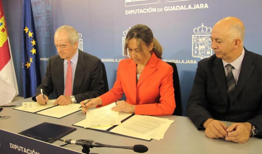 """Guarinos: """"Nuestro compromiso con el tejido empresarial de la provincia es firme para impulsar la industria, el comercio y el turismo"""""""