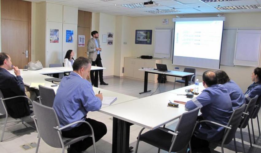 Personal de la empresa Basf informan de la importancia de la seguridad vial dentro de la política de PRL