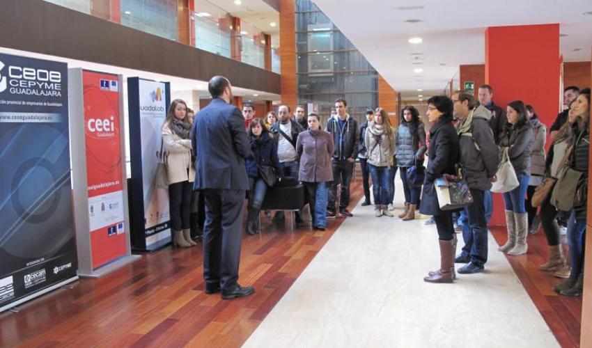 40 alumnos del instituto Buero Vallejo aprenden a realizar un plan de empresa en el CEEI de Guadalajara