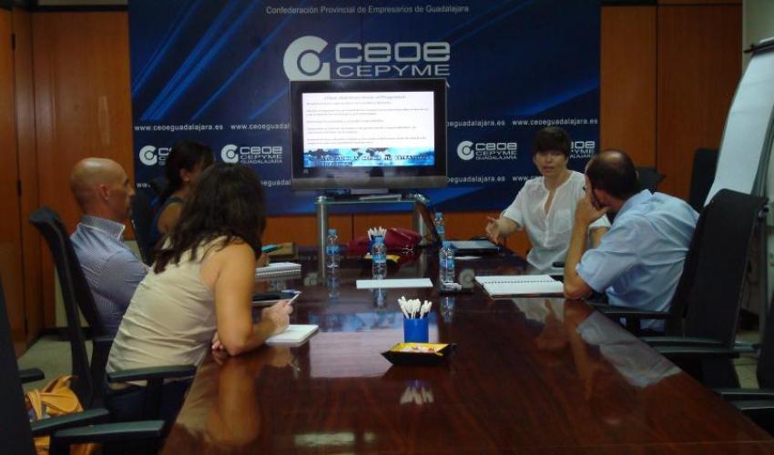 Empresarios de la provincia de Guadalajara se informan sobre el programa de gestores de exportación del IPEX