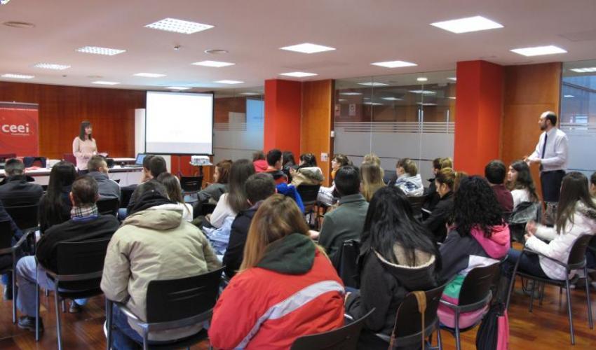 Los alumnos de los IES Brianda de Mendoza y aguas vivas visitan el CEEI de Guadalajara