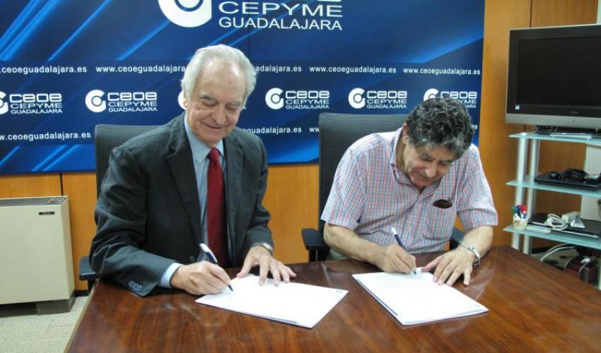 CEOE-CEPYME Guadalajara y la Asociación Española contra el Cáncer firman un convenio de colaboración
