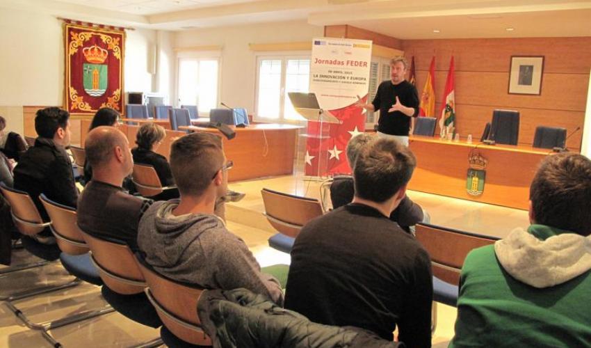 Los emprendedores y empresarios de Cabanillas aprenden como presentar un proyecto europeo