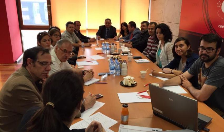 GuadaNetWork celebra su último encuentro del primer semestre del año con la asistencia de una quincena de empresarios