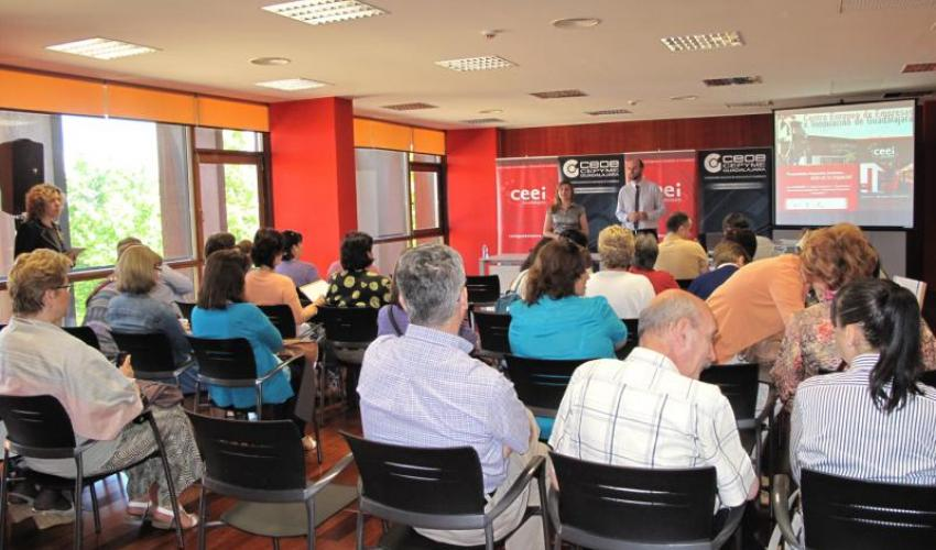 Un nuevo grupo de funcionarios del servicio público de empleo de Rumanía visitan el CEEI de Guadalajara y se interesan por el funcionamiento del departamento de formación de CEOE-CEPYME Guadalajara