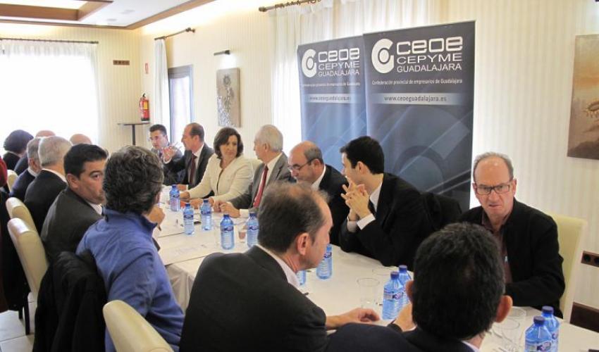 El Comité de Dirección y la Junta Directiva de CEOE Guadalajara mantiene un encuentro de trabajo con la consejera de Economía, Empresas y Empleo, Patricia Franco