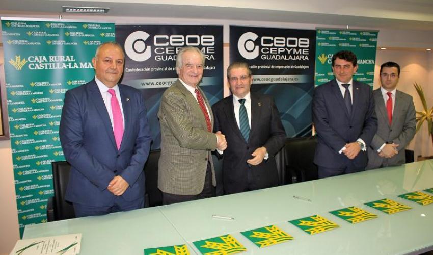 Caja Rural Castilla-La Mancha y CEOE-CEPYME Guadalajara renuevan su colaboración institucional