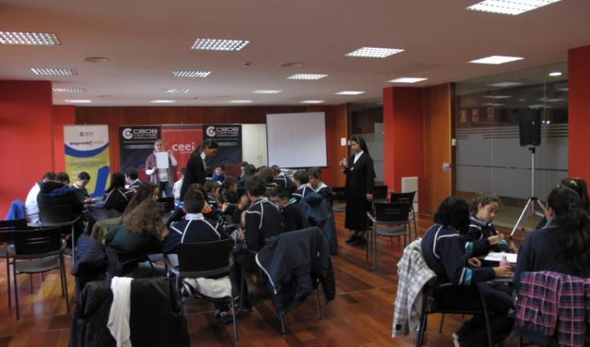 Alumnos del Colegio Giovani Farina de azuqueca aprenden lo que es un emprendedor con el programa Emprende+más