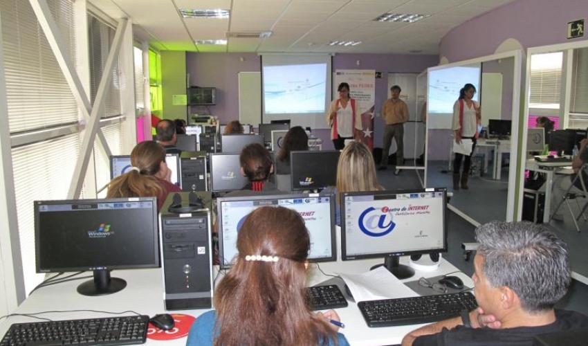 Los emprendedores de Alovera se interesan por los próximos programas de trabajo europeos