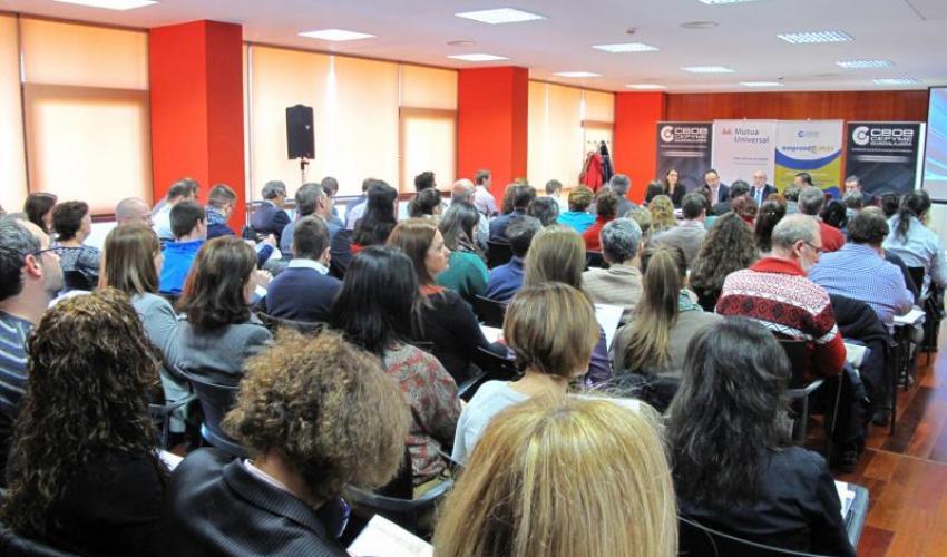 Un centenar de empresarios se informan de la nueva programación de la inspección de trabajo