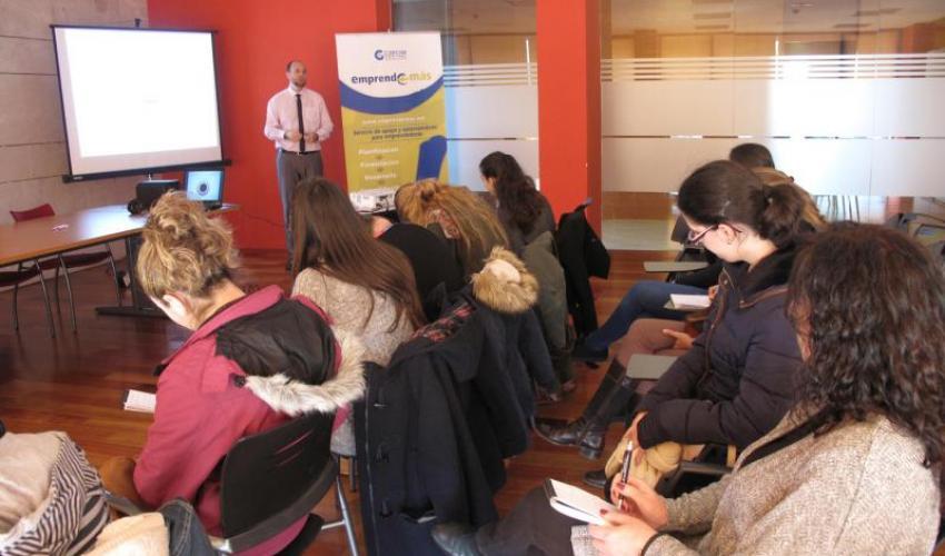 El programa Emprende+más continúa con el fomento de la cultura emprendedora entre los más jóvenes con un nuevo taller formativo
