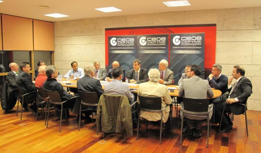 El Comité de Dirección de CEOE-CEPYME Guadalajara se reúnen con Antonio Román