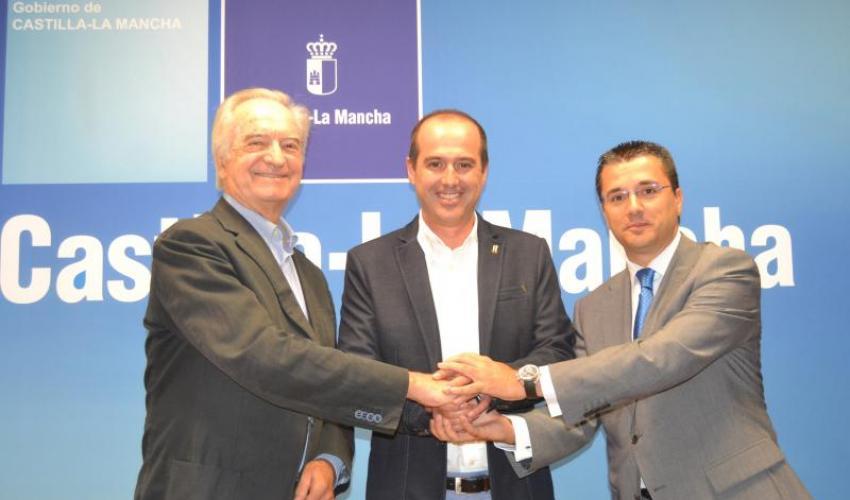 El presidente de CEOE-CEPYME Guadalajara, Agustín de Grandes y  el secretario general de la organización, Javier Arriola han mantenido una reunión con el nuevo Delegado de la JCCM en Guadalajara