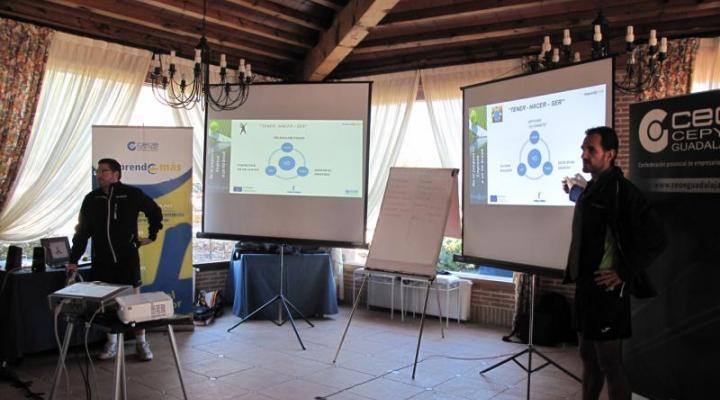 Gran éxito de la I jornada de coaching-pádel, otra manera de iniciarse en el emprendimiento