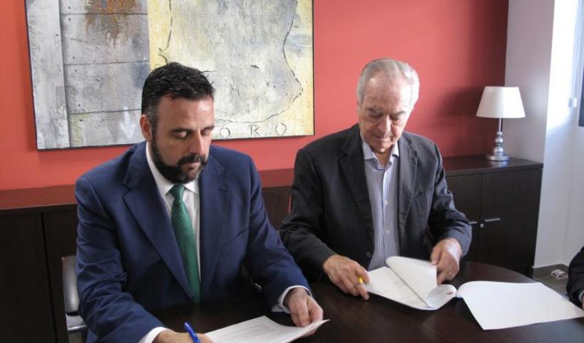 Ayuntamiento y CEOE renuevan el convenio para mantener el Departamento de Atracción de Inversiones