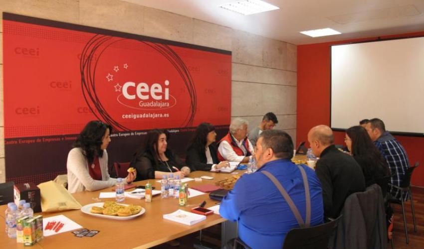 Una decena de empresarios se reúnen en el quinto encuentro de 2016 de GuadaNetWork