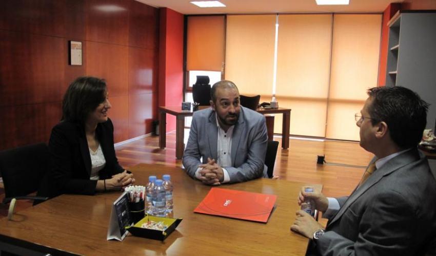 La diputada Yolanda Ramírez, conoce de primera mano el CEEI de Guadalajara