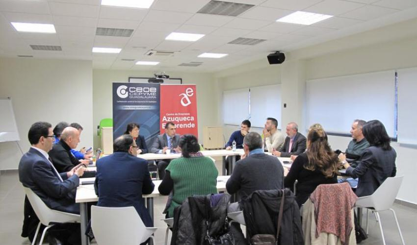 GuadaNetWork se traslada hasta Azuqueca para una nueva reunión de AzuNetWork