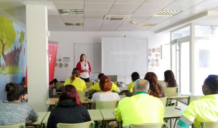 El CEEI de Guadalajara se desplaza hasta El Casar y Alovera para hablar de marketing y financiación