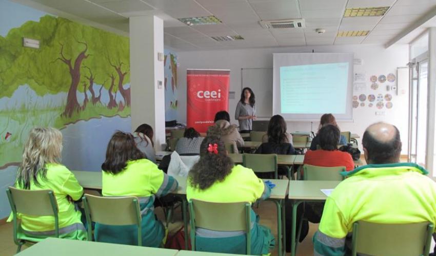 El CEEI de Guadalajara imparte una nueva jornada en Alovera para mostrar a los emprendedores los trámites a seguir a la hora de crear una nueva empresa