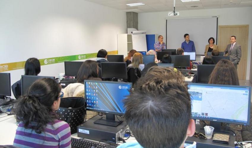 Quince jóvenes desempleados se forman desde ayer en el Curso de Técnico de Administración y Finanzas