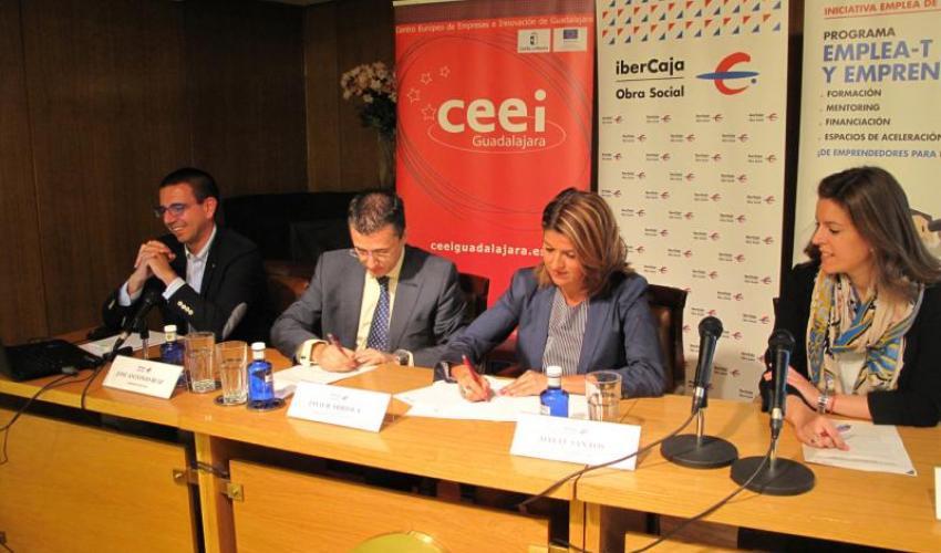 La Obra Social de Ibercaja, firma un convenio con la Fundación CEEI Guadalajara para el desarrollo del programa Emplea-T y Emprende