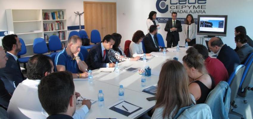 CEOE-CEPYME  y CaixaBank analizan el factoring internacional con los empresarios de Guadalajara