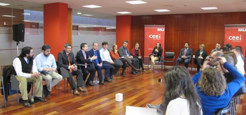 Alberto Rojo ofrece a las empresas del CEEI las iniciativas de apoyo empresarial y al emprendimiento impulsadas por el Gobierno regional