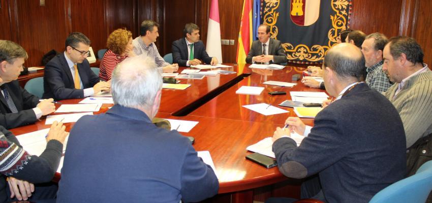 CEOE-CEPYME Guadalajara participa en la constitución de la mesa de trabajo para avanzar en prevención de riesgos laborales en el sector de la logística