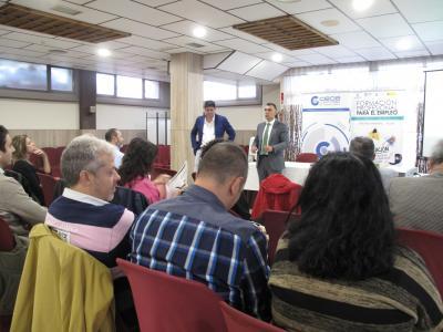 Una treintena de empresarios se reúnen en Azuqueca de Henares para hablar de cómo atraer el talento y continuar en la búsqueda de nuevas sinergias