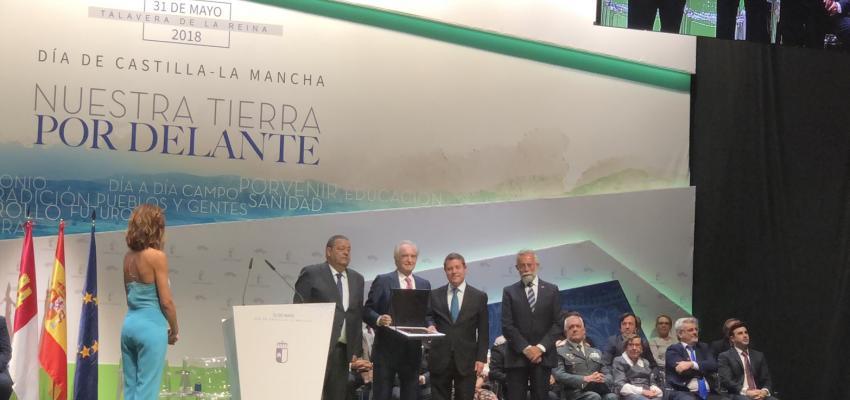 CEOE-CEPYME Guadalajara recibe la Placa al Mérito Regional por su 40º aniversario