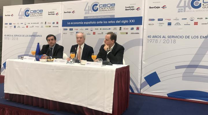 Daniel Lacalle, muestra las pautas a seguir para un crecimiento sostenido en el tiempo en el desayuno empresarial de CEOE-CEPYME Guadalajara