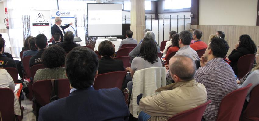 Medio centenar de empresarios se reúnen en Azuqueca de Henares para hablar de transformación digital y continuar en la búsqueda de nuevas sinergias