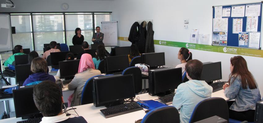 15 jóvenes participan en el curso de Actividades Auxiliares de Comercio