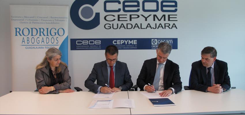 CEOE-CEPYME Guadalajara y el bufete Rodrigo Abogados, firman un convenio de colaboración