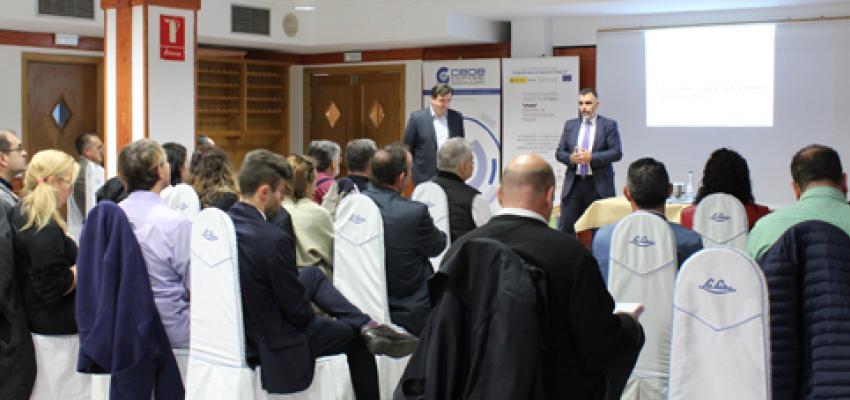 Empresarios y autónomos se reúnen en un nuevo encuentro de AzuNetWork